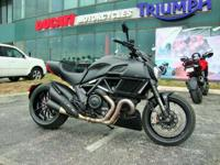 2015 Ducati Diavel (DEMO)2015 Ducati Diavel Dark