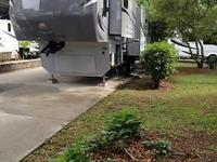 36 ft. fifth wheel. 3 slides, double refrigerator,