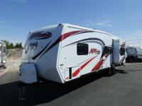 2015 Eclipse ATTITUDE 28 IBG 1 SLIDE UPGRADED PREMIER