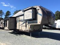 The 2015 Classic Super Lite Fifth Wheel Model 8528IKWS