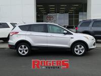 What a nice clean locally owned Ford Escape this is!