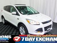**MOONROOF, BLUETOOTH, BACKUP CAMERA** 2015 Escape SE