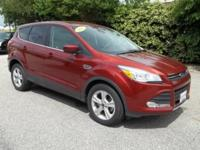 Gassss saverrrr!!! 31 MPG Hwy!!! This 2015 Ford Escape
