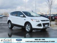 Delivers 28 Highway MPG and 21 City MPG! This Ford