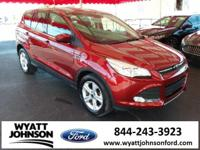 CARFAX One-Owner. Sunset 2015 Ford Escape SE FWD