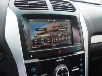 Moon roof - Touch screen Navigation - Leather seats -