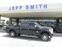 CARFAX 1-Owner. Platinum trim. Leather Seats, NAV, 4x4,