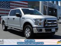 This Ford F-150 has a strong V-8 5.0 L engine equipped