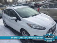 FUEL EFFICIENT 36 MPG Hwy/28 MPG City! CARFAX 1-Owner,