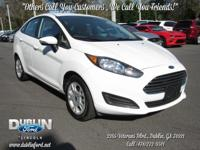 2015 Ford Fiesta SE  *BLUETOOTH MP3*, *STILL UNDER
