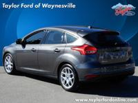 Options:  2015 Ford Focus Se|Se 4Dr Hatchback|New