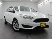 New Price! Focus SE, 4D Sedan, 2.0L 4-Cylinder DGI