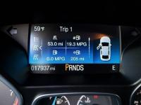 2015 Ford Focus SE FWD 5-Speed Manual 2.0L 4-Cylinder