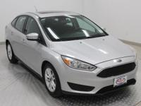 Options:  2015 Ford Focus Se|Ingot Silver|Charcoal
