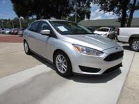 2015 Ford Focus SE, ** Back-Up Camera **Power Moonroof