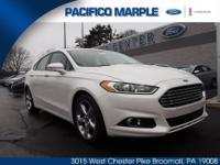 SUPER SHARP 2015 FORD FUSION SE WITH LOW MILES (4,382