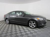 ONLY 28646 MILES!, MOONROOF / SUNROOF!, BLUETOOTH!,