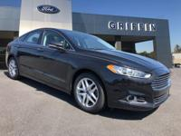 Tuxedo Black 2015 Ford Fusion SE FWD 6-Speed Automatic