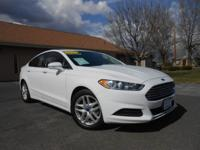 2015 FORD FUSION SE! ONLY 45K MILES! BACK-UP CAMERA,