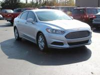 This 2015 Ford Fusion SE in Ingot Silver features.