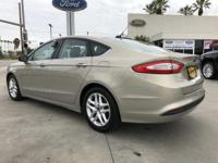 Options:  2015 Ford Fusion Se|White/|V4 2.5 L