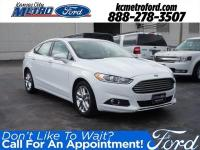 White FWD 2015 Ford Fusion SE ***NO ACCIDENTS***,