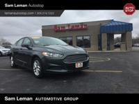 2015 Ford Fusion SE in Guard Gray vehicle highlights
