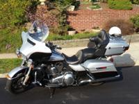 I'm selling my 2015 Harley Davidson Electra Glide.