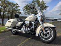 2015 HD Road King. 103 CI, 6 speed, factory cruise