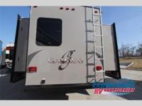2015 HEARTLAND GATEWAY 3750PT - FIFTH WHEEL 6PT AUTO