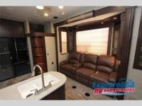 2015 HEARTLAND TORQUE TQ 325 - TOY HAULER/FIFTH WHEEL