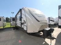 2015 HILL COUNTRY BY CROSSROADS TRAVEL TRAILER SOLID