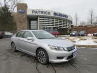 FUEL EFFICIENT 45 MPG Hwy/50 MPG City! CARFAX 1-Owner,