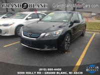 Power Moon Roof, Heated Seats, Navigation GPS, 17 Alloy