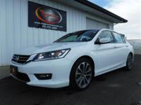 FREE POWERTRAIN WARRANTY! VERY CLEAN LOCAL TRADE 2015