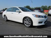 EPA 35 MPG Hwy/26 MPG City!, $1,900 below Kelley Blue