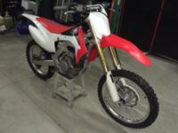 2015 CRF450R TITLE and regirstration up to date factory
