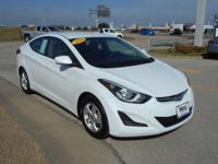 EPA 38 MPG Hwy/28 MPG City! SE trim, Quartz White Pearl