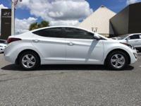 Options:  2015 Hyundai Elantra White/ V4 1.8 L