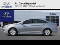 This 2015 Hyundai Sonata Hybrid Base is proudly offered
