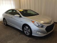 This 2015 Hyundai Sonata Hybrid Limited comes equipped