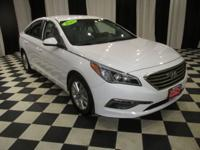 OVERVIEW This 2015 Hyundai Sonata 4dr 4dr Sedan 2.4L SE
