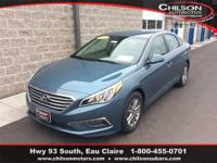 2015 Hyundai Sonata SE Blue Priced below KBB Fair