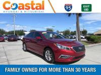 This 2015 Hyundai Sonata SE in features: FWD Clean