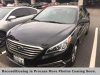 **LEATHER**, **HEATED SEATS**, Black w/Leather Seating