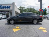 This 2015 Hyundai SE (A6) 4dr Sedan has been fully