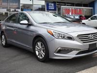 Designed with a spacious interior, this 2015 Hyundai