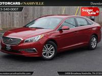 This 2015 Hyundai Sonata 4dr 4dr Sedan 2.4L SE features