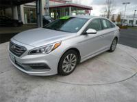 Sonata Sport with Navigation, Leather Seating, Moon