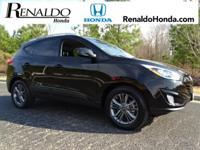 2015 Hyundai Tucson SE AWD.  Carfax One-Owner.